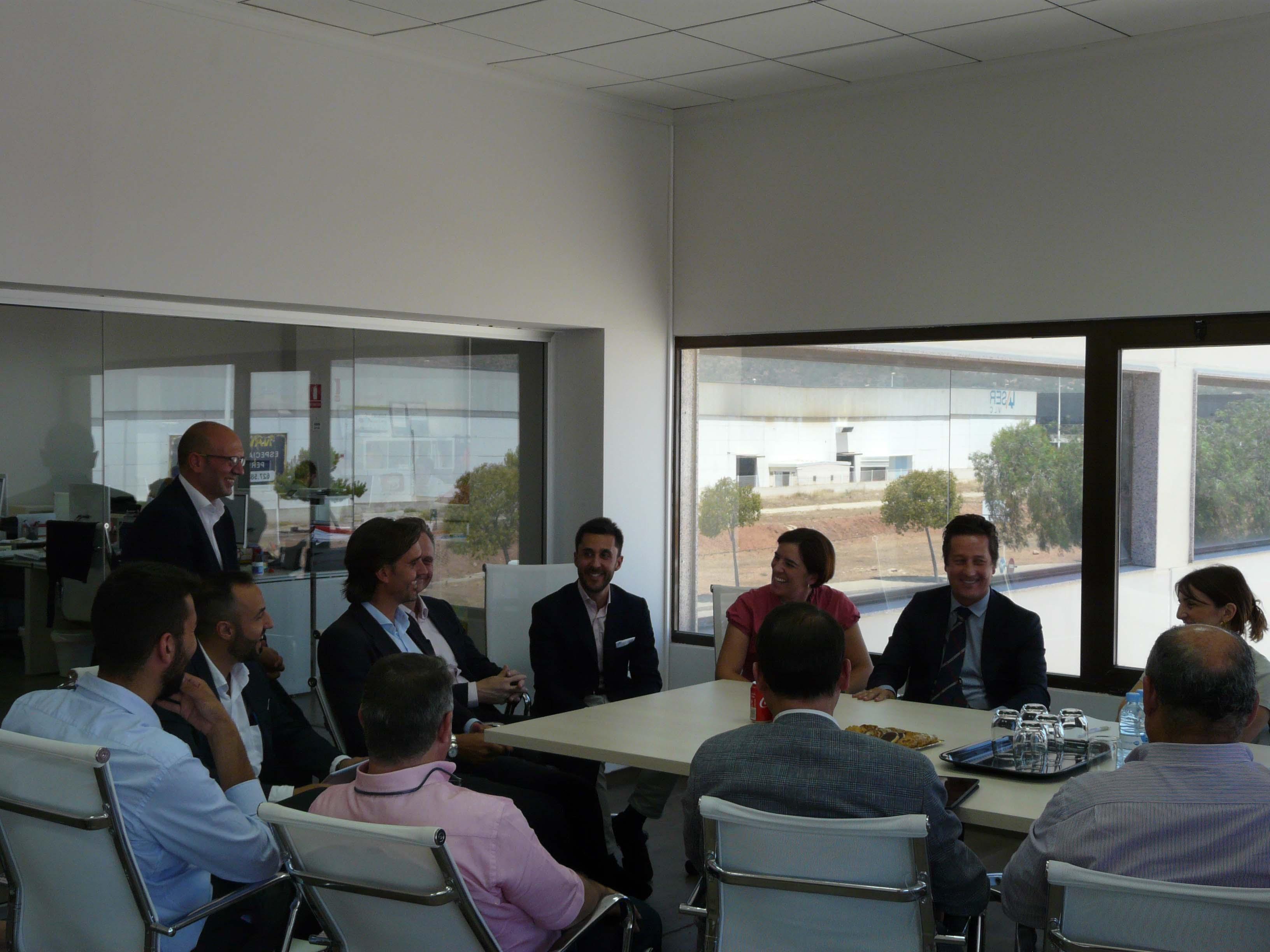 La directora de Industria y Energía visita las instalaciones de Ampere Energy